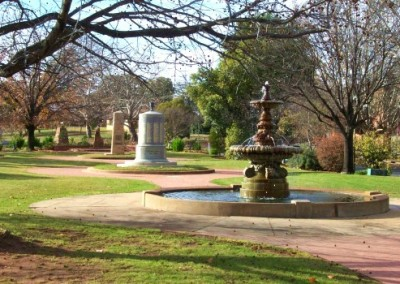 Hankinson (Royal Doulton) Memorial Fountain